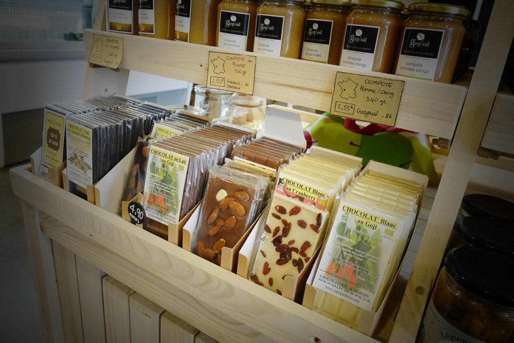 photo représentant des tablettes de chocolat biologique artisanal